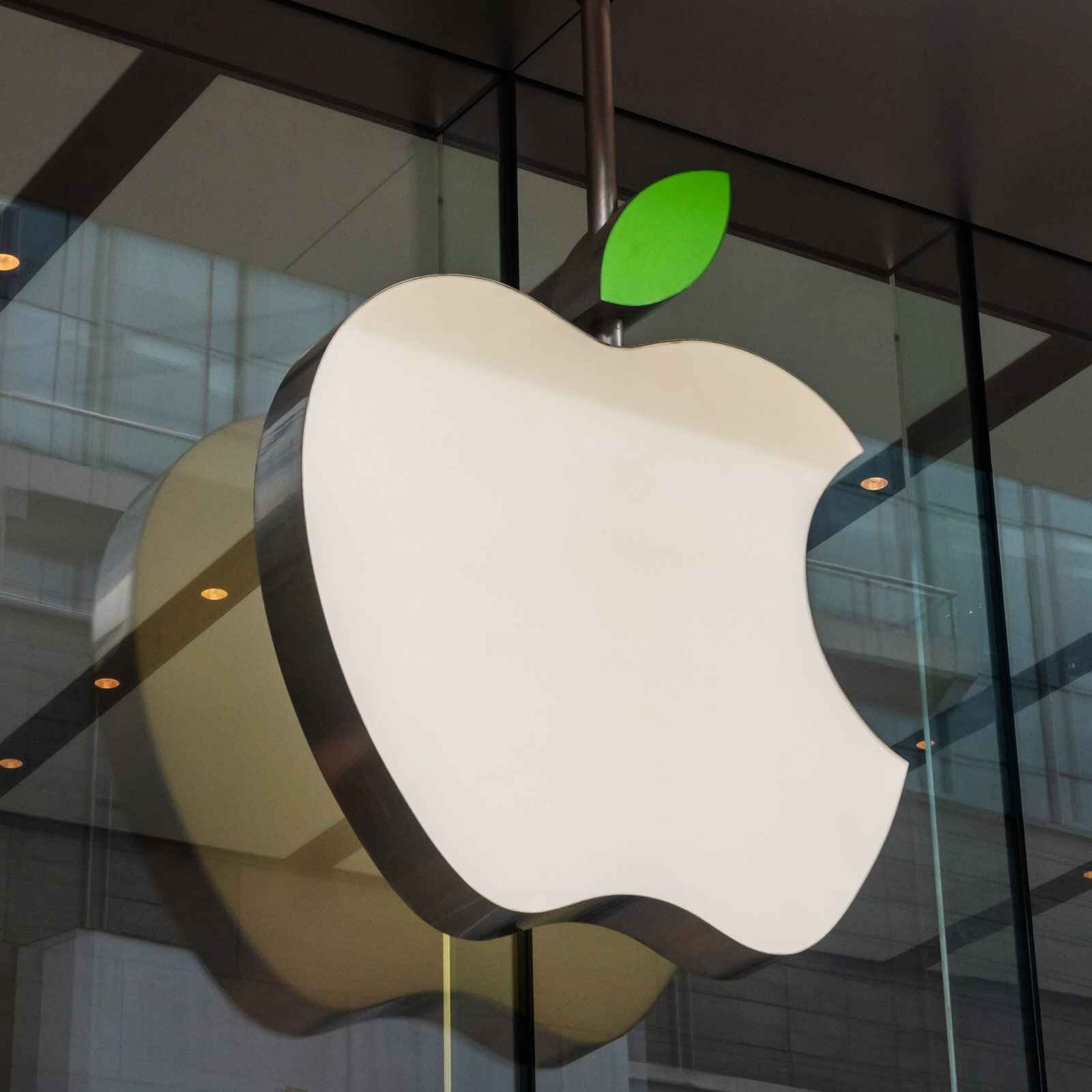 Apple CEO Tim Cook announces opening of new store in Istanbul's Bagdat Avenue