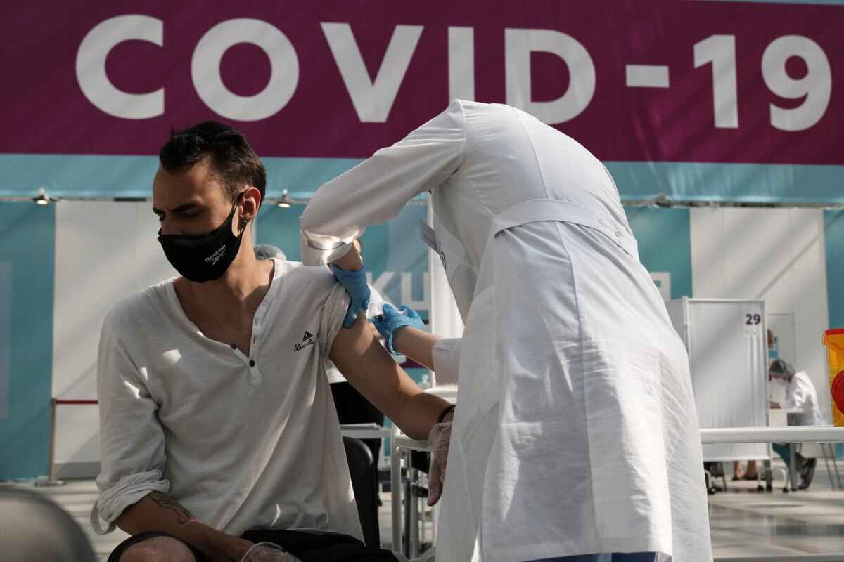 Israel may grant entry to tourists vaccinated with Sputnik V starting on Nov 15
